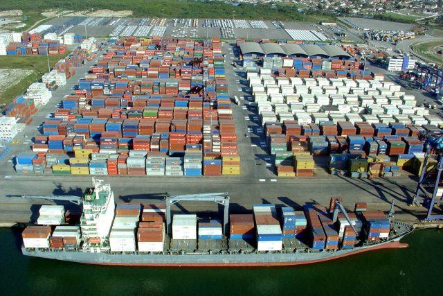 comercio exterior no brasil em portos