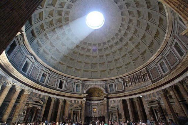 panteao e a arte romana interna