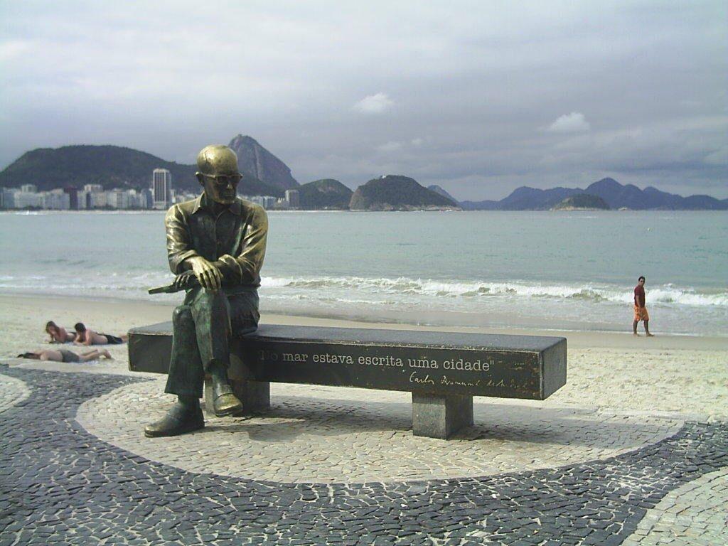escultura drummond rj